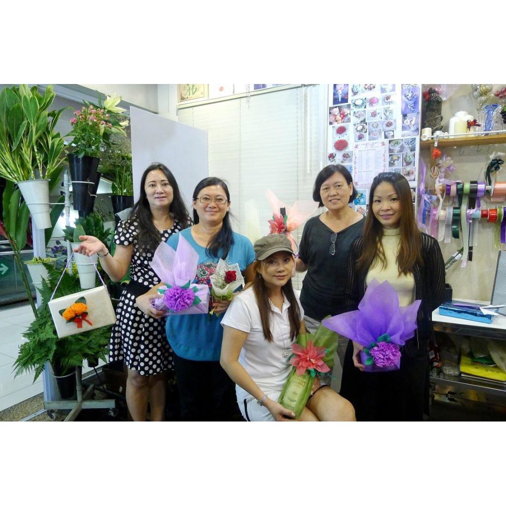1_elementary_flower_arrangement_course-1024x683